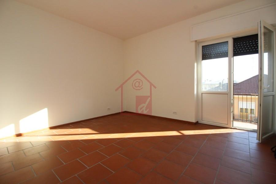 Vercelli appartamento in affitto in semicentro