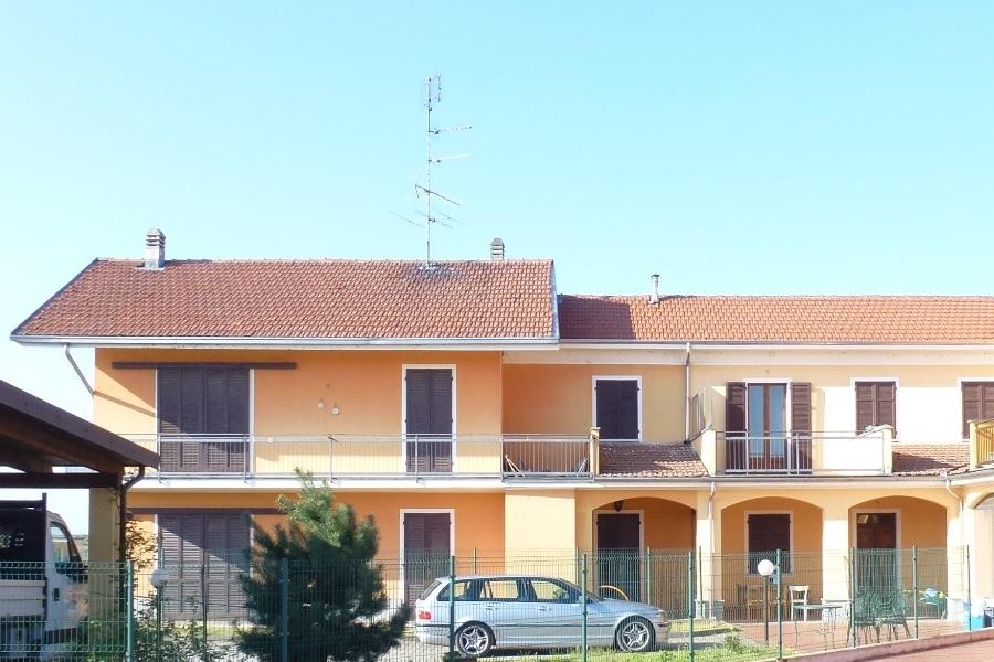 Vendesi Casa Indipendente ad Asigliano Vercellese
