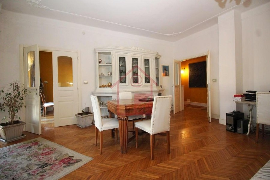 Vercelli vendesi appartamento in Viale Garibaldi