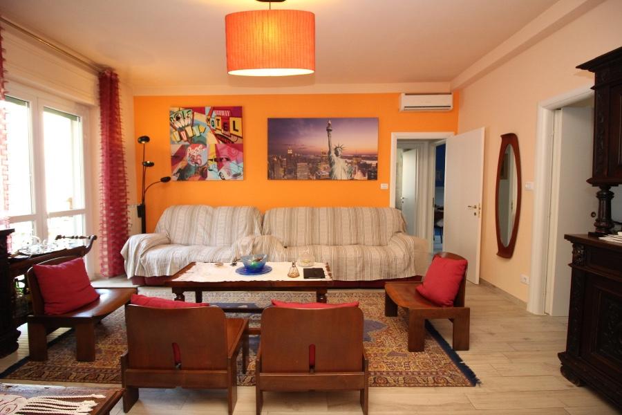VERCELLI vendesi appartamento in via Palazzo Città