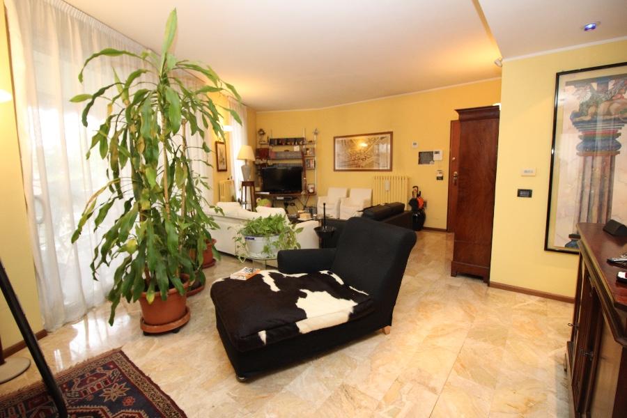 Vercelli Appartamento in Via CARPINI in vendita
