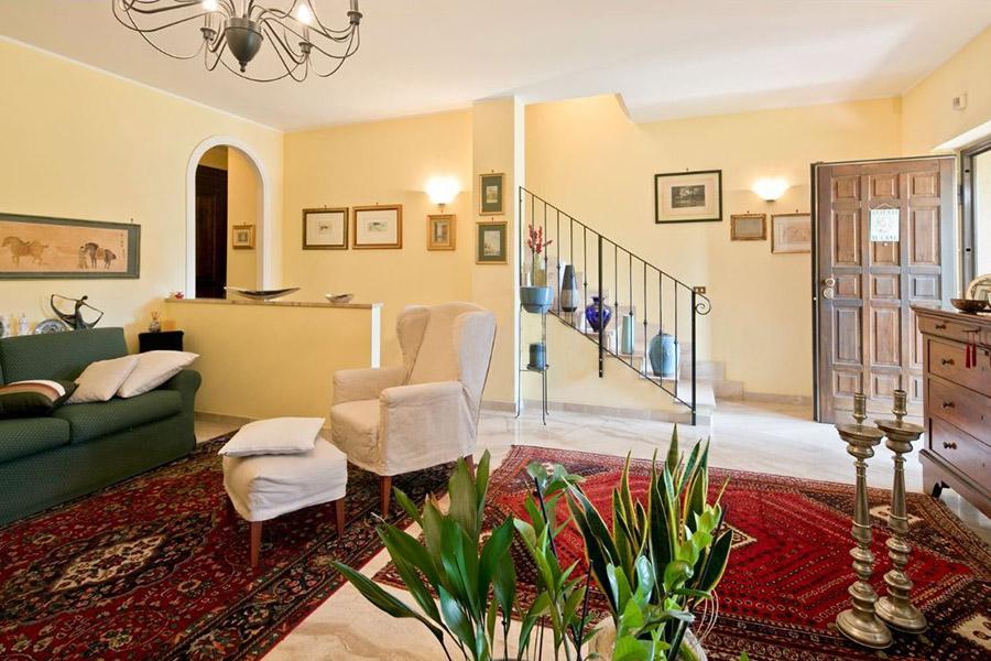 VERCELLI vendesi Villa in Via Delpiano